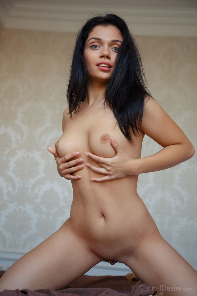 sexy-black-haird-girls-nude-pictures-agirlfriend-and