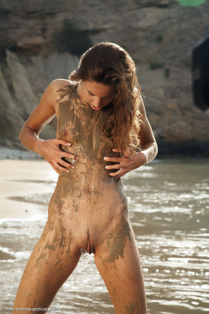 Mud in pussy