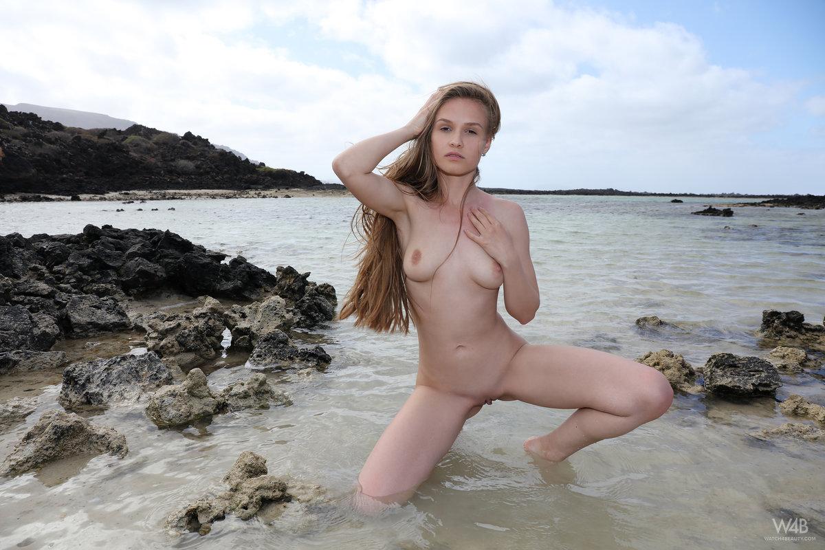 Pee mature nude beach