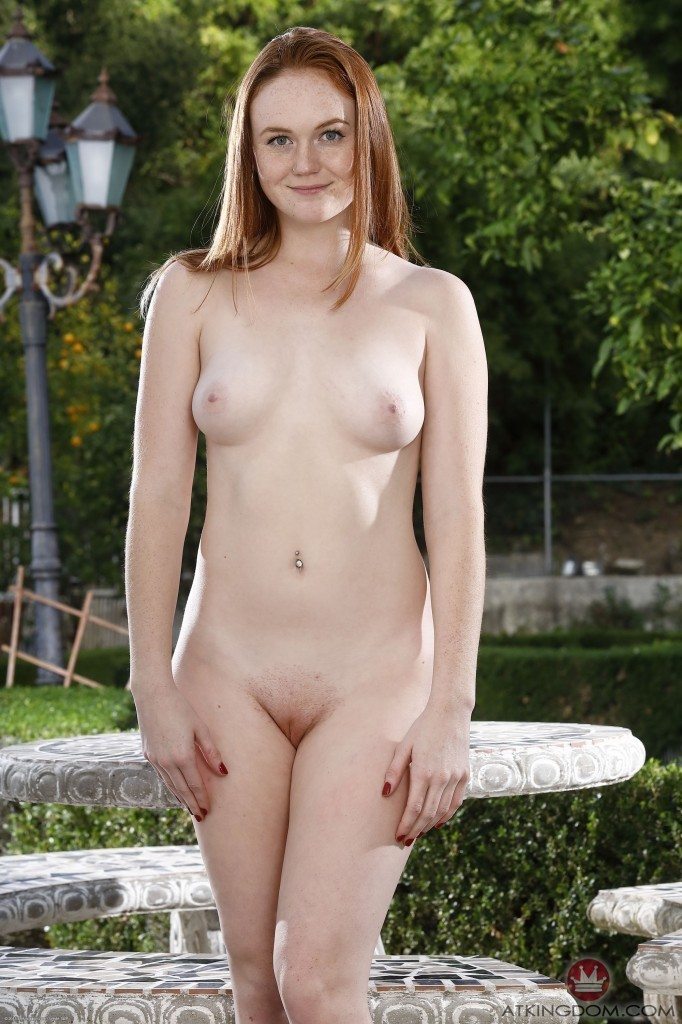 naked thick redhead girls