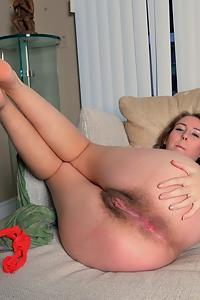 Aali Rousseau hairy pregnant girl in red panties