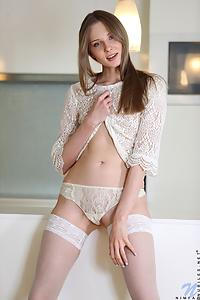 Nimfa white thigh-highs