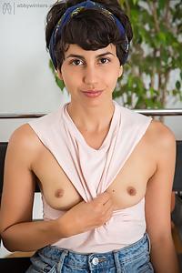 Anais hairy amateur masturbating
