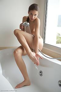 Koupel featuring Antea by Erro