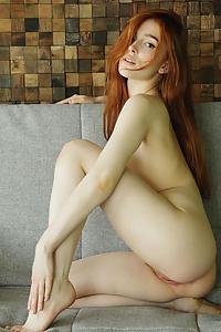 Jia Lissa by Flora