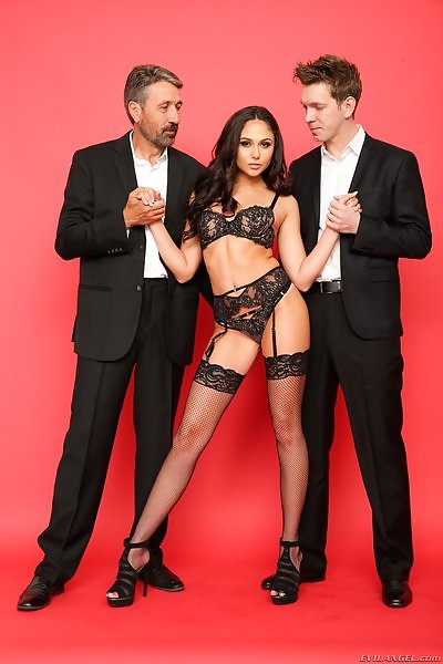 Ariana Marie: First DP Makes Her Gape