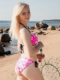 Kate Fresh in Fun In The Sun by Koenart