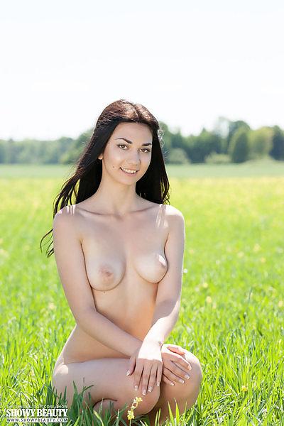 Annasia in Meadows