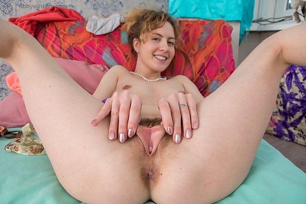 Sonya natural redhead masturbating