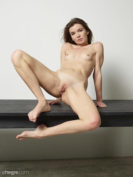 Veronica V crisp nudes