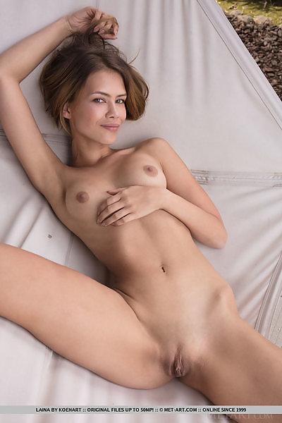 Laina in Lazy Hammock by Koenart