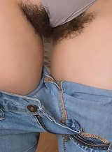 Hairy brunette amateur spreading