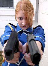 Blonde cosplay amateur pulls out her guns