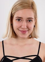 Casting pics of a cute blonde amateur with piercings