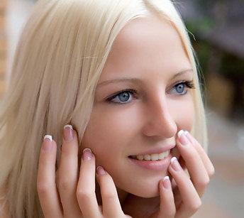 Stunning blonde teen with big areolas posing nude 36572 views