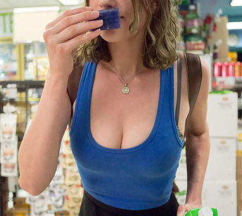 Sexy girl flashes in a grocery store