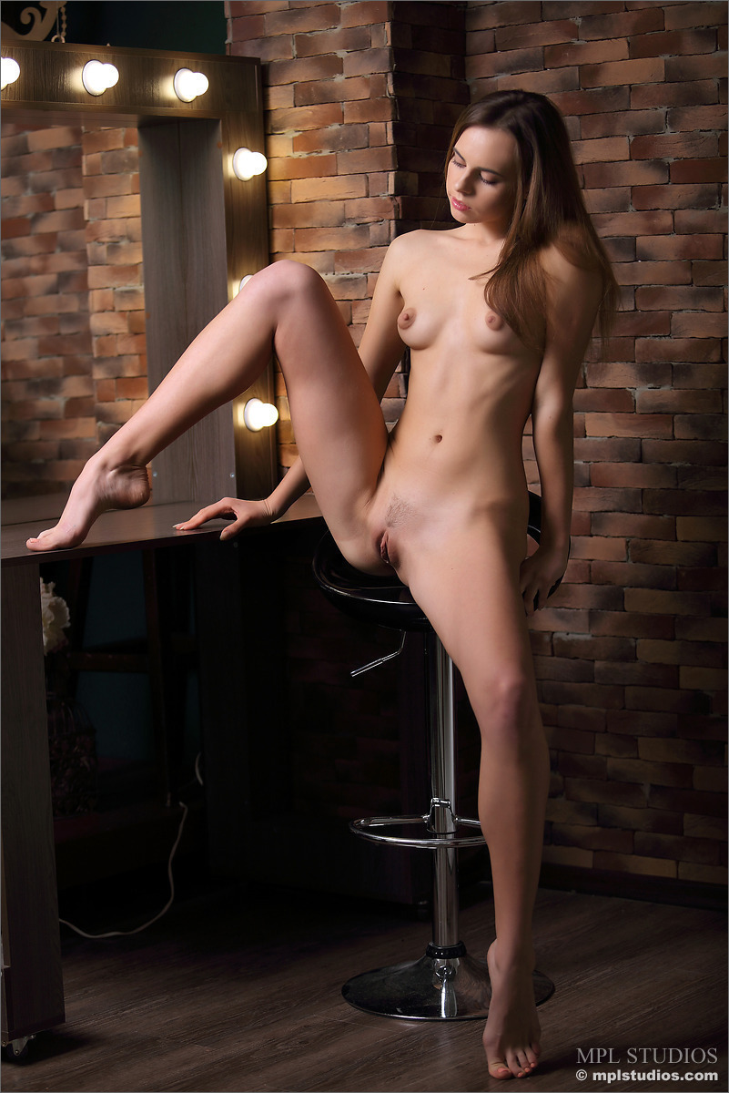 naked babes great labia