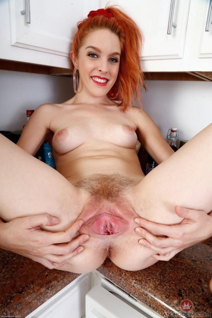redhead-shelia-atk