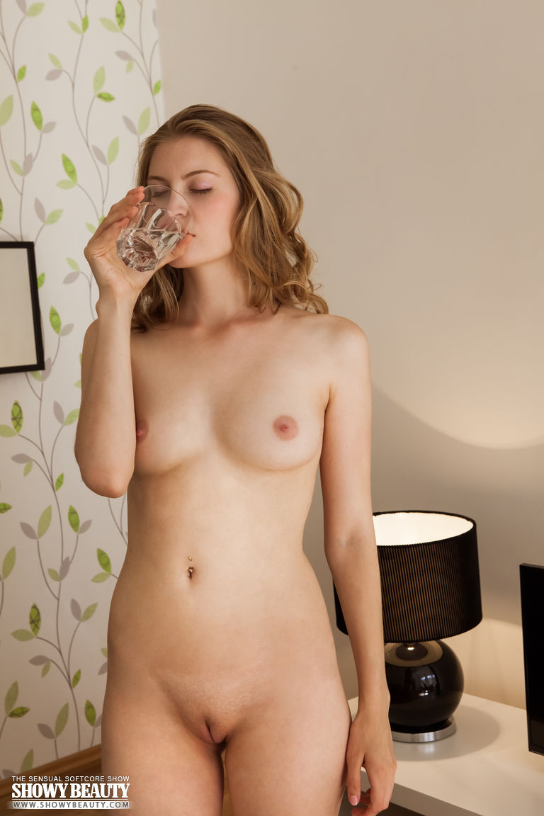 Shaved nude smoothies