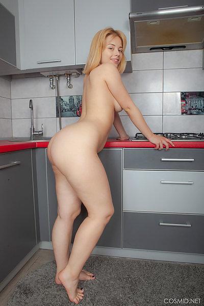 Bianca Yaz kitchen