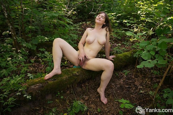 Raven Snow large areolas